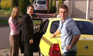 Elle Robinson, Paul Robinson, Boyd Hoyland in Neighbours Episode 5074