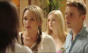 Steph Scully, Boyd Hoyland, Janae Timmins in Neighbours Episode 5074