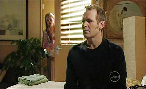 Izzy Hoyland, Max Hoyland in Neighbours Episode 5074