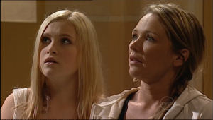 Janae Timmins, Steph Scully in Neighbours Episode 5075