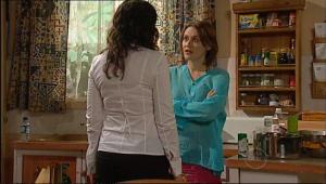 Lucia Cammeniti, Rosie Cammeniti in Neighbours Episode 5076