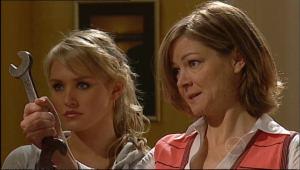 Pepper Steiger, Christine Rodd in Neighbours Episode 5082