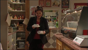 Lyn Scully in Neighbours Episode 5085