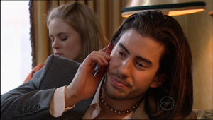 Elle Robinson, Dylan Timmins in Neighbours Episode 5086