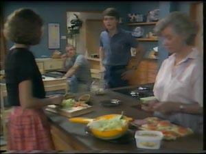 Julie Robinson, Jim Robinson, Scott Robinson, Helen Daniels in Neighbours Episode 0002