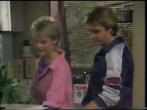 Shane Ramsay, Daphne Lawrence in Neighbours Episode 0002