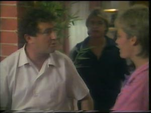 Max Ramsay, Shane Ramsay, Daphne Lawrence in Neighbours Episode 0002