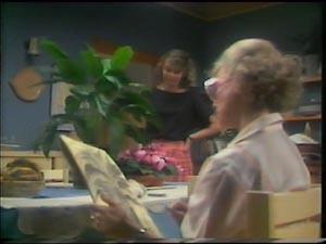 Julie Robinson, Helen Daniels in Neighbours Episode 0002