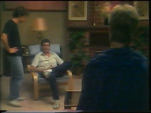 Paul Robinson, Daphne Lawrence, Des Clarke in Neighbours Episode 0003