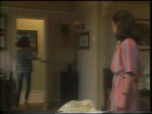 Kim Taylor, Marcia Taylor in Neighbours Episode 0004