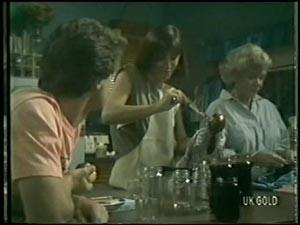 Paul Robinson, Maria Ramsay, Helen Daniels in Neighbours Episode 0005