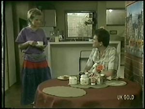 Daphne Clarke, Des Clarke in Neighbours Episode 0005