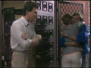 Des Clarke, Daphne Clarke, Father Kevin Barry in Neighbours Episode 0009