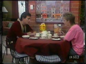 Des Clarke, Daphne Clarke in Neighbours Episode 0010