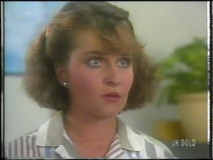 Julie Robinson in Neighbours Episode 0010