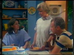 Anna Rossi, Helen Daniels, Jim Robinson in Neighbours Episode 0012
