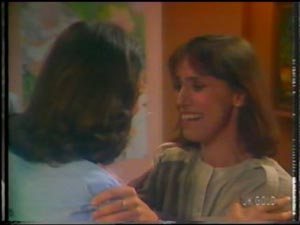 Anna Rossi, Maria Ramsay in Neighbours Episode 0012