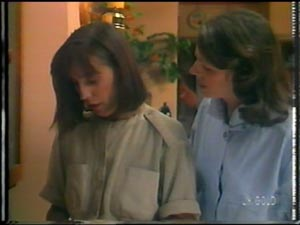 Maria Ramsay, Anna Rossi in Neighbours Episode 0012