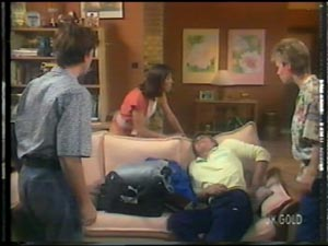 Danny Ramsay, Maria Ramsay, Shane Ramsay, Daphne Lawrence in Neighbours Episode 0013