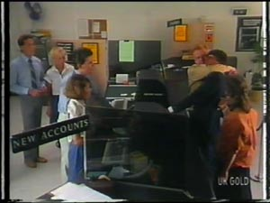 Des Clarke, Julie Robinson, Police Officer, Police Officer, Peter Kirk in Neighbours Episode 0013