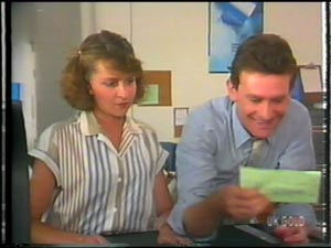 Julie Robinson, Des Clarke in Neighbours Episode 0013