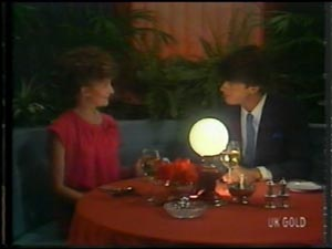 Julie Robinson, Peter Kirk in Neighbours Episode 0014