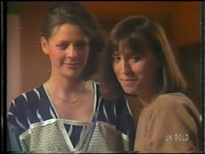 Anna Rossi, Maria Ramsay in Neighbours Episode 0014