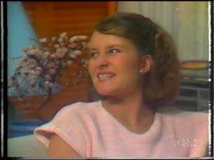 Julie Robinson in Neighbours Episode 0015
