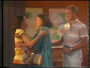 Maria Ramsay, Anna Rossi, Jim Robinson in Neighbours Episode 0015