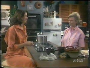 Anna Rossi, Helen Daniels in Neighbours Episode 0016