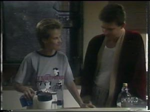 Daphne Lawrence, Des Clarke in Neighbours Episode 0016