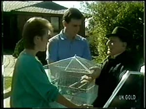 Daphne Clarke, Des Clarke, Squawker, Harry Henderson in Neighbours Episode 0068