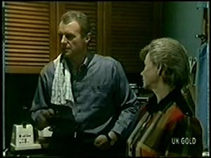 Jim Robinson, Helen Daniels in Neighbours Episode 0068