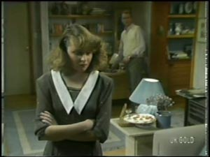 Julie Robinson, Jim Robinson in Neighbours Episode 0097
