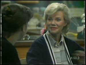 Maria Ramsay, Helen Daniels in Neighbours Episode 0098