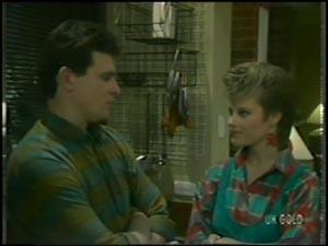 Daphne Clarke, Des Clarke in Neighbours Episode 0098