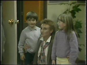 Rodney Langdon, Joan Langdon, Susan Langdon in Neighbours Episode 0098