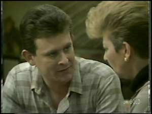 Des Clarke, Eileen Clarke in Neighbours Episode 0099