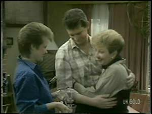 Daphne Clarke, Des Clarke, Eileen Clarke in Neighbours Episode 0099