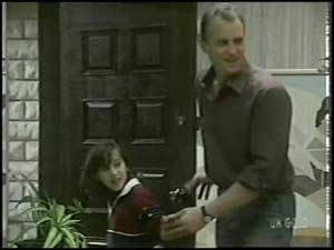 Lucy Robinson, Jim Robinson in Neighbours Episode 0100