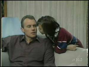 Jim Robinson, Lucy Robinson in Neighbours Episode 0100