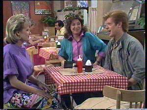 Daphne Clarke, Clive Gibbons, Susan Cole in Neighbours Episode 0409