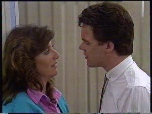Susan Cole, Paul Robinson in Neighbours Episode 0410