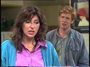 Susan Cole, Clive Gibbons in Neighbours Episode 0410