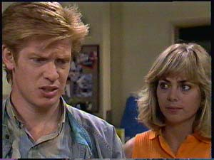 Clive Gibbons, Jane Harris in Neighbours Episode 0411