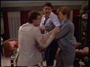 Paul Robinson, Des Clarke, Clive Gibbons in Neighbours Episode 0411