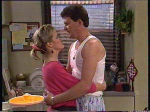 Daphne Clarke, Des Clarke in Neighbours Episode 0411