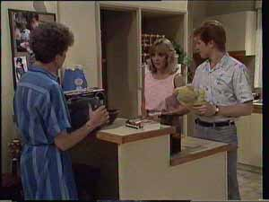 Nell Mangel, Jane Harris, Clive Gibbons in Neighbours Episode 0413