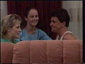 Daphne Clarke, Kelly Morgan, Des Clarke in Neighbours Episode 0413