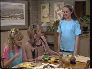 Kelly Morgan, Charlene Mitchell, Shane Ramsay in Neighbours Episode 0413